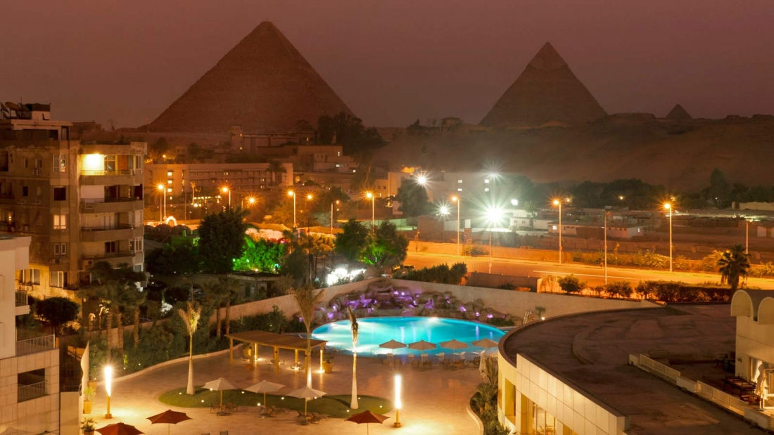 <p>With the largest number of rooms in the Giza area, Le M&eacute;ridien Pyramids Hotel & Spa is conveniently located within a walking distance of Egypt&rsquo;s historic treasures, including the Giza Pyramids, the Sphinx, Sakkara and other monumental sights. Conveniently, it&rsquo;s only a 20-minute drive from Cairo&rsquo;s central-city attractions.</p>
